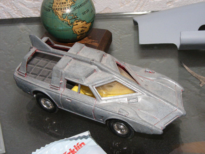 Dinky Spectrum patrol car restoration